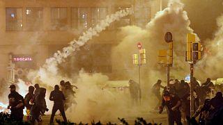 Barcelona: utcai harcokba torkolló tüntetés