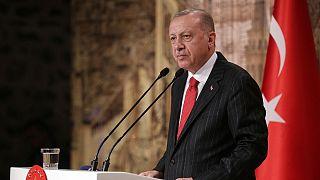 اردوغان: اگر نیروهای کرد از شمال سوریه خارج نشوند سرشان را خرد میکنیم