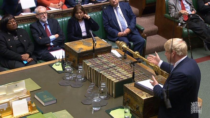 Brexit: il Parlamento approva il rinvio del voto, nuovo schiaffo per Johnson