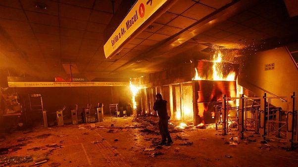 درگیریهای شدید در سانتیاگو؛ رئیس جمهوری شیلی وضعیت اضطراری اعلام کرد
