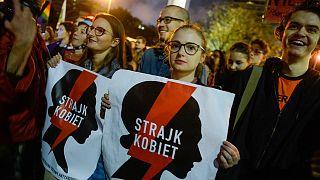 Cinsel eğitime hapis cezasının önünü açacak yasa tasarısı Polonya'da tartışmalara yol açtı