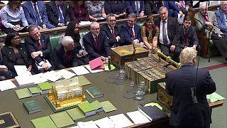 İngiltere Başbakanı Johnson'ı Brexit için erteleme talep etmeye zorlayacak yasa önerisi kabul edildi