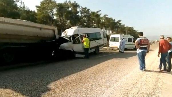 Akkuyu Nükleer Santrali'nde çalışan Rus işçileri taşıyan araç kaza yaptı: En az 2 ölü