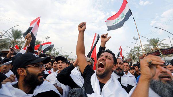 هواداران مقتدی صدر در مراسم اربعین شعار ضد فساد سر دادند