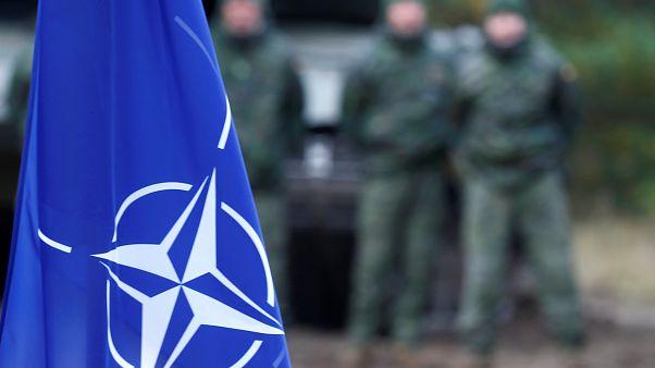 NATO bayrağı