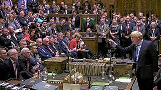 Elmaradt a döntés a brexitről a brit parlamentben