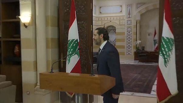 رئيس الوزراء اللبناني سعد الحريري يهم بالمغادرة بعد أول تعليق له على المظاهرات التي يشهدها لبنان 18-10-19
