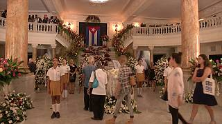 Multitudinario homenaje a Alicia Alonso en La Habana