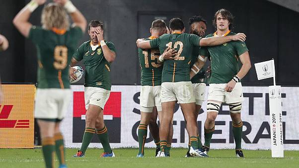 South Africa's Makazole Mapimpi celebrates with team mates scoring their third try