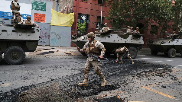Şili'de gösteriler: 8 kişi hayatını kaybetti; acil durumun süresi uzatıldı
