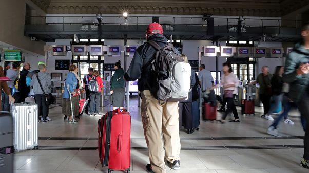 Во Франции снова будут ходить поезда