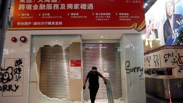 Caos en Hong Kong tras una masiva manifestación no autorizada