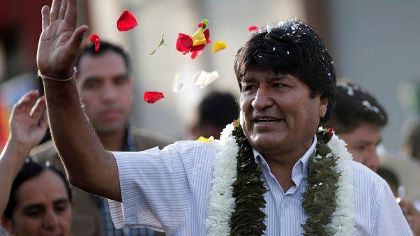انتخابات ریاست جمهوری بولیوی با پیشتازی مورالس به دور دوم کشیده شد