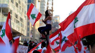 Lübnan: Protestolar ve Hariri'nin istifa tehdidi sonrası hükümet reform paketinde anlaştı