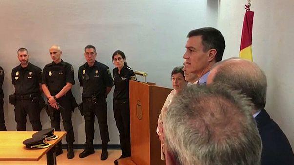 Catalogne : Pedro Sanchez au chevet des policiers blessés