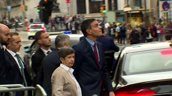 Pedro Sánchez insta por carta a Torra a condenar la violencia en Cataluña