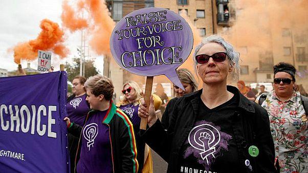 قوانين إيرلندية شمالية تخص الإجهاض والزواج المثلي تدخل حيز التنفيذ اليوم