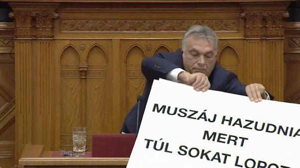 Trifulca en el Parlamento húngaro con Orbán como protagonista