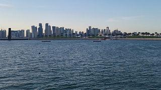 قطر قد تلجأ إلى تبريد المساحات الخارجية لمكافحة الحرارة