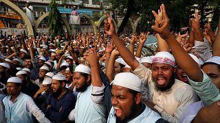 """احتجاجات في بنغلادش بسبب منشور """"مُسيء للنبي محمد"""" على فيسبوك"""