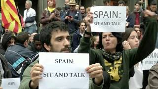 Madrid urged to 'sit down and talk' with Catalan regional leaders
