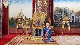 پادشاه تایلند دوست دخترش را به دلیل سرکشی از عنوانهای سلطنتی محروم کرد