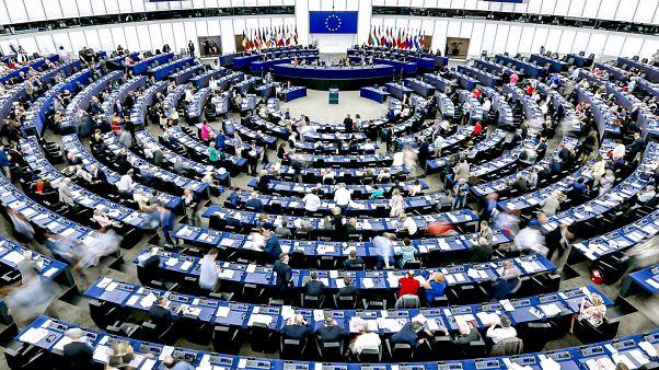 """البرلمان الأوروبي يناقش نتائج القمّة الأوروبية والمستجدات في ملف """"بريكست"""""""