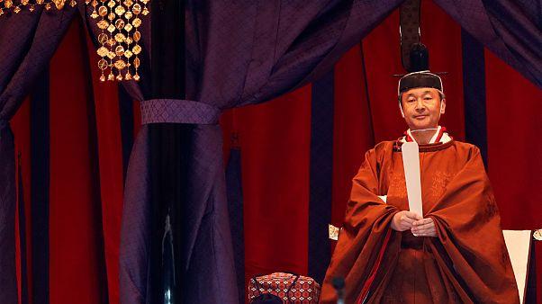 ناروهیتو، امپراتور ژاپن بر تخت سلطنت نشست