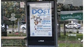 """Konya'da """"Yahudi ve Hristiyanları dost edinmeyin"""" afişleri gelen tepkiler üzerine kaldırılıyor"""