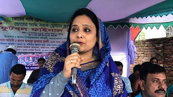 Bangladeş'te milletvekili sınavlara dublorünü soktuğu için üniversiteden atıldı