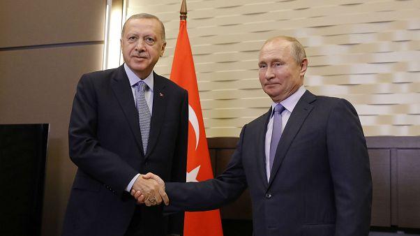Türkiye Cumhurbaşkanı Recep Tayyip Erdoğan ve Rusya Devlet Başkanı Vladimir Putin, Devlet Başkanlığı Rezidansı'nda baş başa görüşme gerçekleştirdi.