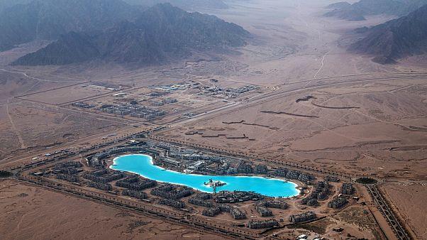 بريطانيا تلغي حظر الرحلات الجوية إلى شرم الشيخ