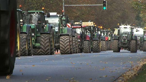 Gazdák traktoros tiltakozása