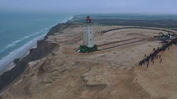 Absturzgefahr: Dänischer Leuchtturm muss 70 Meter umziehen