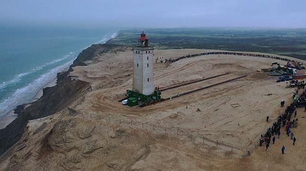 فانوس دریایی ۱۲۰ ساله دانمارک جابجا شد