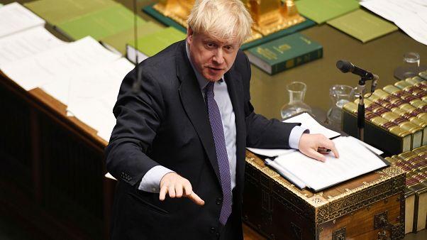Primeiro-ministro britânico sofre pesado revés logo após um pequeno triunfo