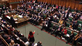 Brexit: Υπερψηφίστηκε η συμφωνία, καταψηφίστηκε το χρονοδιάγραμμα