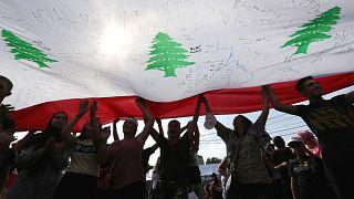 Lübnan'da protestoların ardından hazırlanan reform paketi uygulanmaya başladı
