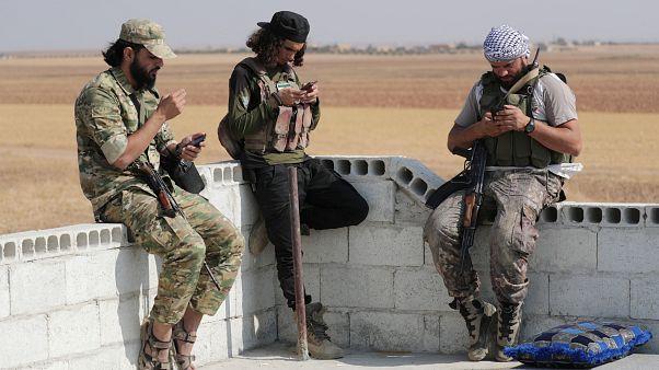 Rússia acusa EUA de abandonar curdos na Síria