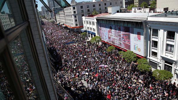 Şili Devlet Başkanı Pinera: Yığılan sorunları göremediğimiz için özür dilerim