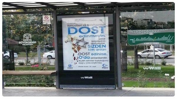 Konya'daki afiş tartışması: Kur'an Yahudi ve Hristiyanlarla dost olmayı yasaklıyor mu?