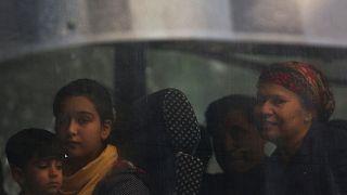 Βρασνά: Kάτοικοι εμπόδισαν την εγκατάσταση αιτούντων άσυλο