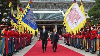 Los reyes de España hacen su primera visita de Estado a Corea del Sur
