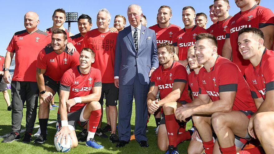 دیدار شاهزاده چارلز با تیم راگبی ولز پیش از دیدار نیمهنهایی جام جهانی
