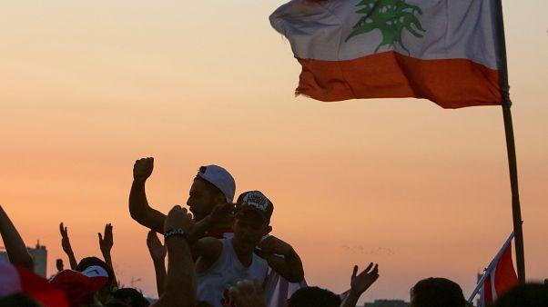 رئيس مجلس النواب اللبناني: البلد لا يحتمل البقاء معلقا ونخشى من الفراغ