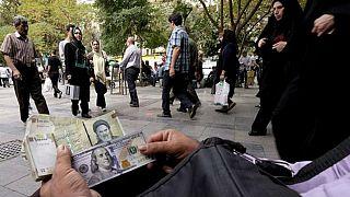 ثبت پایینترین نرخ دلار در دو ماه گذشته؛ قیمت سکه و طلا کاهش یافت
