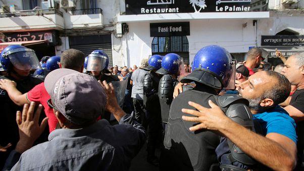 """الجزائر: توقيف رئيس تحرير صحيفة """"لو بروفنسيال"""""""