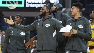 NBA yıldızı LeBron James'a Amerikan milli marşına 'saygısızlık etti' eleştirisi