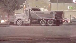 شاهد: الثلوج تتساقط بغزارة في ولاية كولورادو