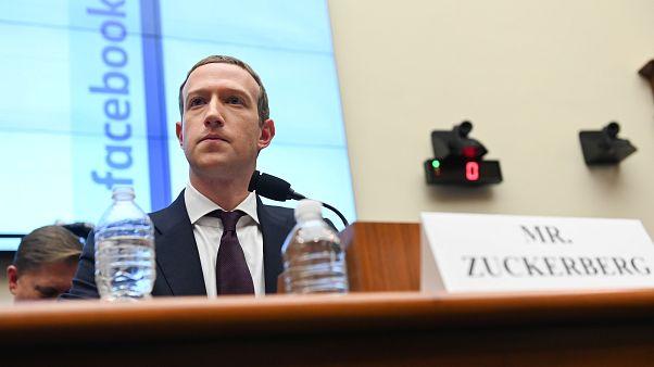 Még Zuckerberg sem tagadta, hogy a Facebook nem törli a politikai hazugságokat